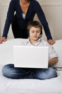 parent monitoring child's computer use